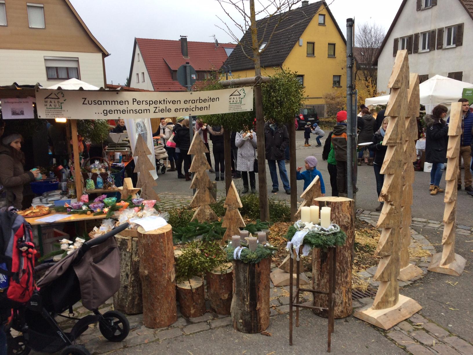 Waldhaus Wohngruppen weihnachtlich aktiv