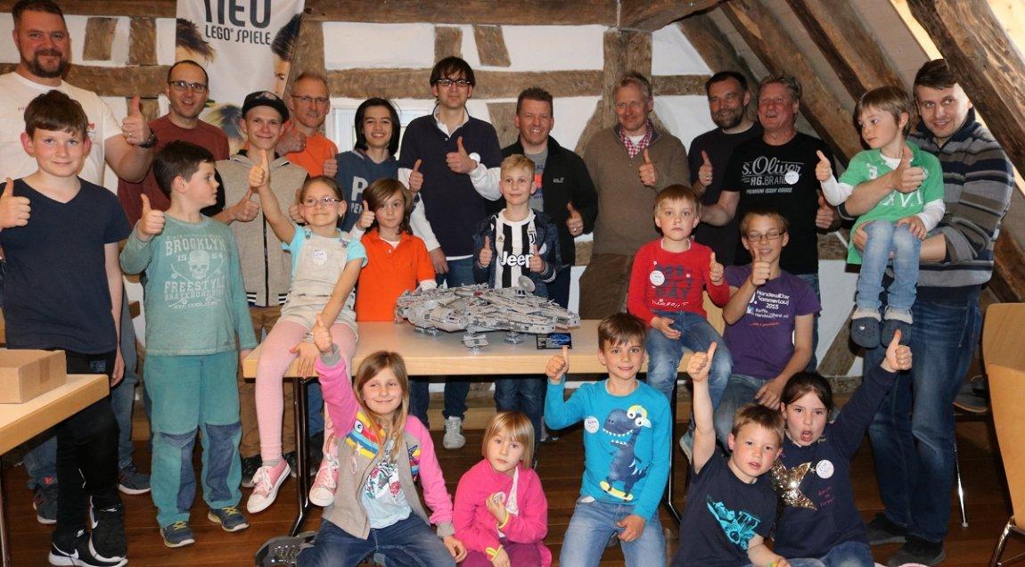 Hildrizhausen: Zehn Familienteams bauen Lego-Kunstwerk