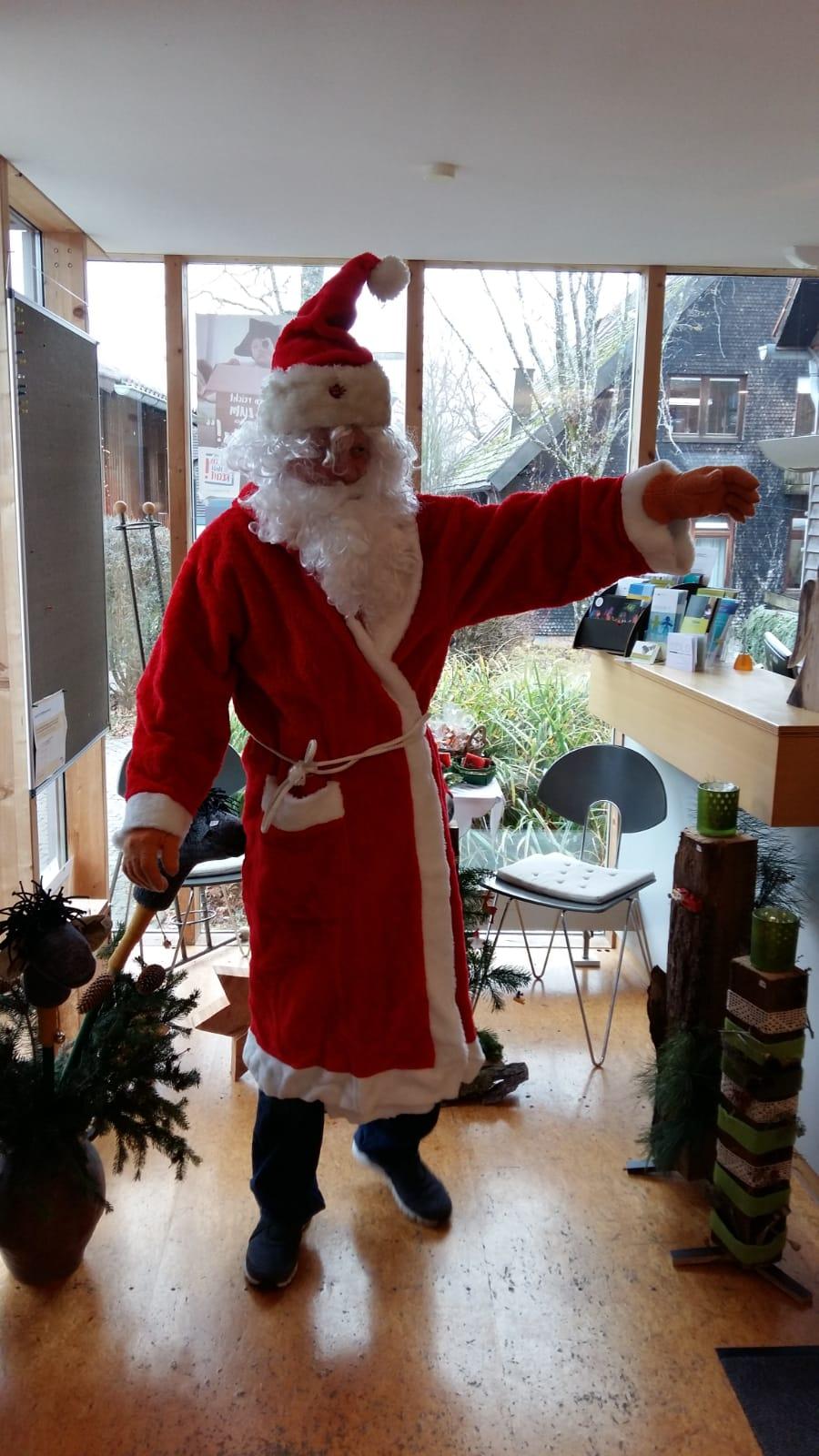Der Nikolaus im Waldhaus