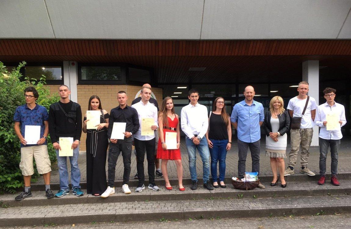Bildungsprojekte der Waldhaus Jugendhilfe ermöglicht neun Jugendlichen den Schulabschluss